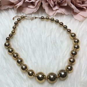 Gold Metal Pearl Necklace Like New